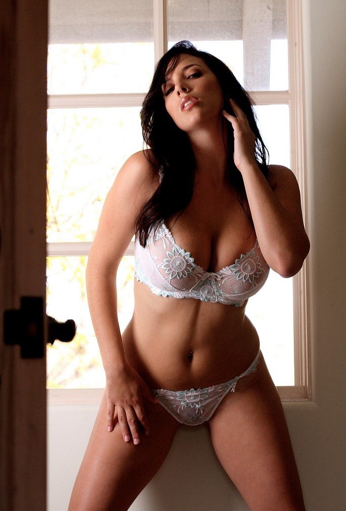Jelena Jensen Es Una Espectacular Mujer De Tetas Naturales O Se Me
